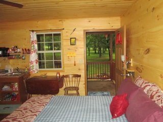 RED-Fish Cabin at Little Easy Cabins
