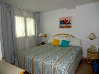 CARIBBEAN SEA VIEW 1 BEDROOM APARTMENT, Roscoe