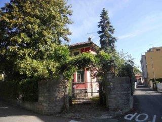 Monolocale in villa sul Lago Maggiore, Lesa