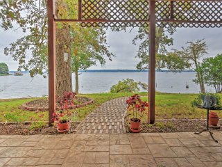 Frankston Lakefront Getaway w/ Wraparound Deck!