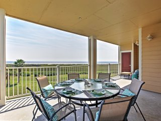3BR Beachfront Galveston Condo w/Balcony!