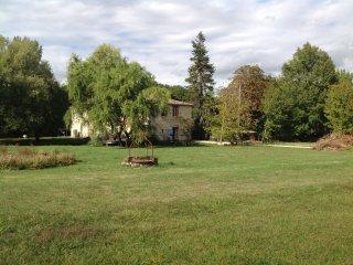 Maison de caractère dans parc paysager