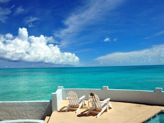 TOTAL PRIVACY, LUXURY OCEANFRONT VILLA & POOL (www.bahamasrentalwatersedge)