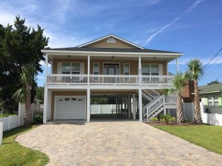 Two blocks from beach and near to golf courses!, North Myrtle Beach