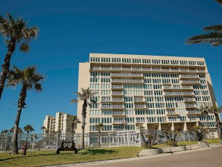 SOLARE BEST PROPERTY IN SPI WITH AMAZING VIEWS., South Padre Island