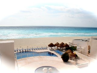 Ocean view villa on white sandy beaches, Cancun