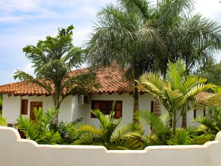 New Pedasi home away from home close to beach!