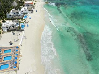 Secret Beach Villas - Beach front - 3 & 4 bedrooms, Playa del Secreto