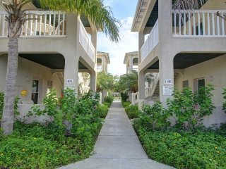 Affordable condo w/ shared pool & exquisite surroundings, Port Isabel