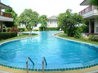 Beautiful Cha-Am Beach Villa
