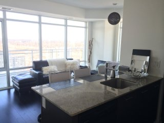 Luxury Furnished Apartment - 1 Bedroom + Den, Mississauga