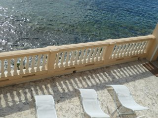 Big Apartment on the beach, Eze