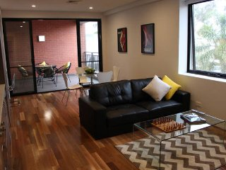 Cafe Strip Apartment near the Perth CBD