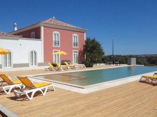 V7 Amazing Luxury Sunny House