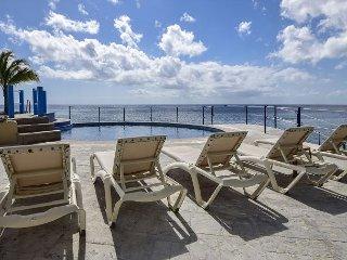 Stunning 2 bedroom oceanfront Condo at El Cantil EC7GN, Cozumel