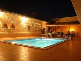 Award Winning Private Villa, Pool, Gardens, close to beaches and seaside resorts, Achinos