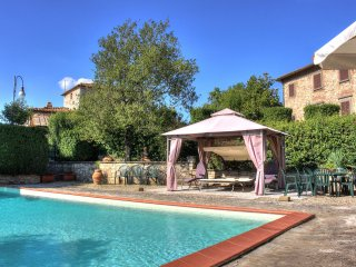 Amazing stay in the heart of Tuscany, Chianti area