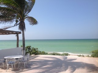 Chicxulub, BeachVilla, 25 Steps to Water, Sleeps 6