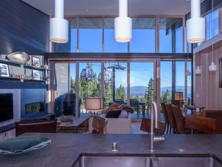 Modern Luxury ski-in/out Residence Mid-Mountain near Ritz, Truckee