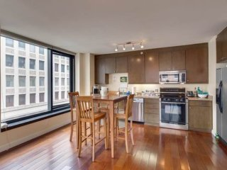 Contemporary Corner Unit With 2 Bedrooms, 2 Bathrooms With Parking Included, San Francisco