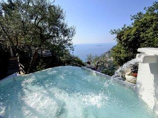 Positano Villa Sleeps 8 with Pool Air Con and WiFi - 5228905