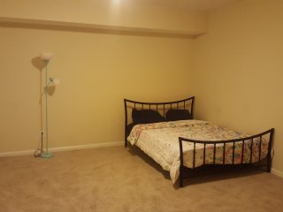 Large and Spacey Room, Lithonia