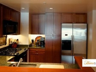 Furnished 1-Bedroom Condo at Bryant St & Beale St San Francisco
