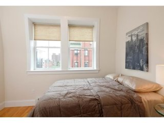 ADORABLE AND BEAUTIFULLY FURNISHED 1 BEDROOM, 1 BATHROOM APARTMENT, Boston