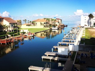 Gorgeous  View-Bayfront Resort-Pool-Boat Slips-Fishing Pier-Beach &Clayton's W.D, South Padre Island