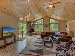 Beautiful home in Tahoe Vista, 4 bedrooms - The Wildwood