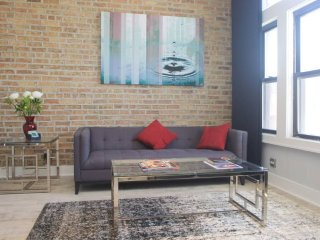 STYLISH 2BDR IN TRENDY NEIGHBORHOOD, Chicago