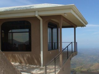 Breathtaking Mountaintop Estate, Ocean Views, Santiago de Puriscal