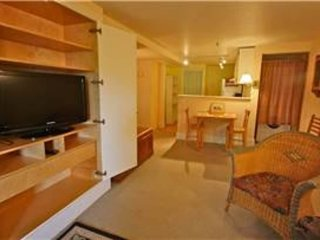 Furnished 2-Bedroom Apartment at Lyon St & Page St San Francisco