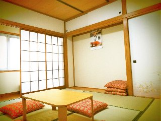 8 min to Asakusa,safe,quiet,good area for woman