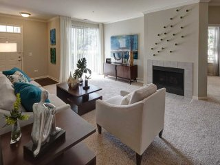 Furnished 1-Bedroom Apartment at Lonsdale Ave & Corday Dr Naperville