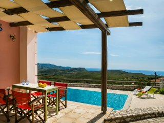 COUNTRY STYLE VILLA IN ATHERAS WITH AMAZING VIEWS