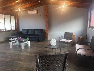 """""""La Casa di Rosa"""" Ampio e moderno appartamento di 150mq ad Oliveri (Marinello)"""