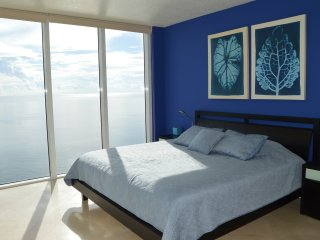 DIRECT OCEAN! MASSIVE CORNER! WOW! LARGE BALCONY!, Sunny Isles Beach
