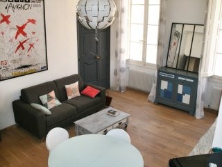 Well-appointed, 3-bedroom apartment with WiFi in Aix-en-Provence – near the Théâtre des Ateliers!