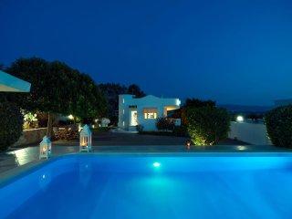 Wave Villa, 40m away from the beach of Tersanas