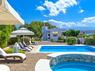 Wave Villa, 40m away from the beach of Tersanas