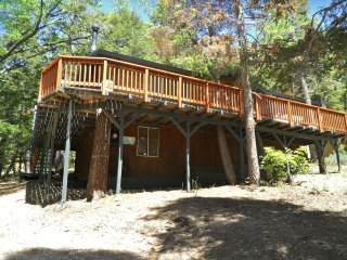 063 JB's Pinecone Lodge, Moonridge