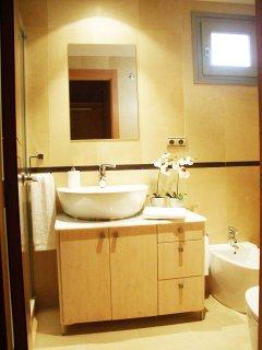 Baño Habitación principal con plato de ducha grande