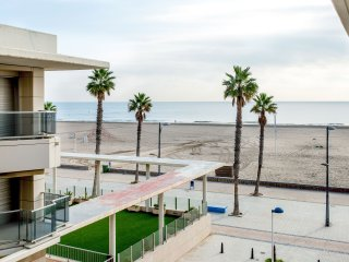 BEACHFRONT APARTMENT IN PLAYA DE LA PATACONA - 46120 - ALBORAYA (VALENCIA) SPAIN