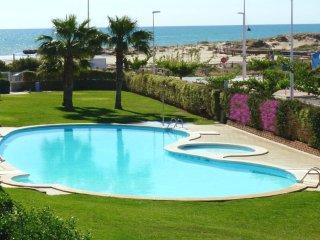 Beautiful beachfront apartment in Alcossebre, 2 br