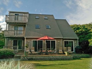 Stylish, Spacious & Bright  - Katama Delight of Martha's Vineyard, Edgartown