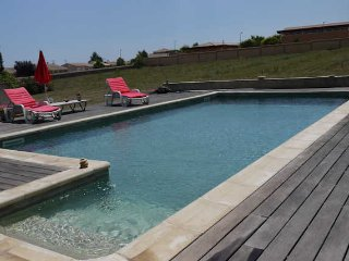 Valros holiday villa in France with private pool