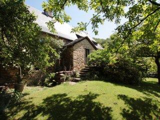 Romantisches und rustikales Steinhaus mit Garten, Altillac