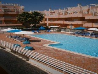 Trife Yellow Apartment, Cabanas Tavira, Algarve