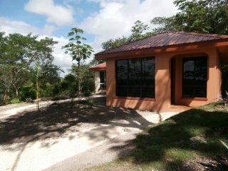 Villa Cayo #4 Luxury Affordable Accommodations, San Ignacio
